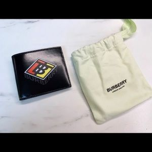 NEW⭐️ Burberry Graphic Canvas Bifold wallet ⭐️
